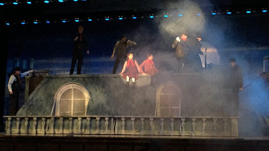 Stage+crew+was+responsible+for+fog%2C+among+other+special+effects+in+this+year%27s+musical%2C+Mary+Poppins.
