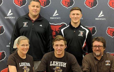 Senior Wrestler Commits to Lehigh