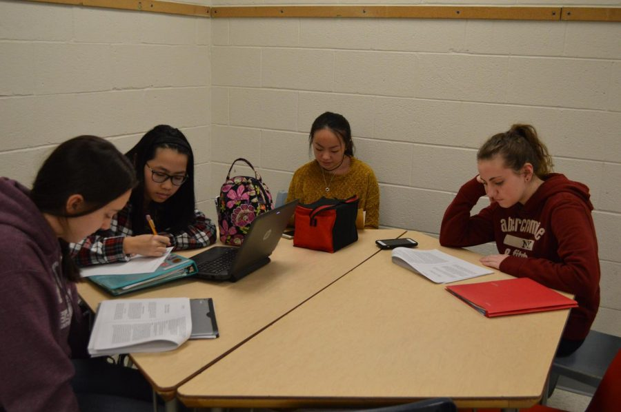 Student tutors in the Writing Center wait for students to come in to get help with essays during Flex. The Writing Center, which opened a few months ago, is available to students during Flex and by appointment.