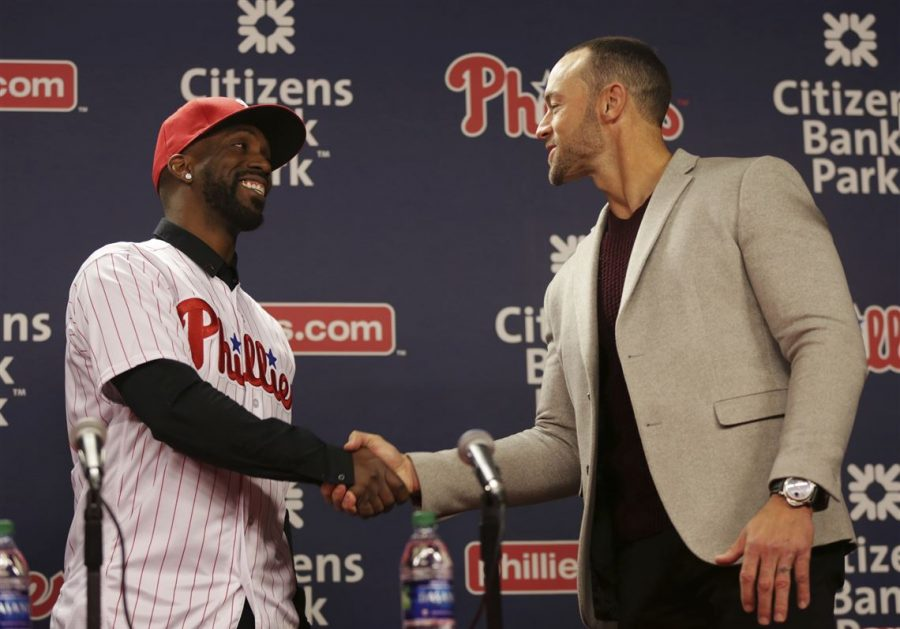 Phillies%27+manager+Gabe+Kapler+welcomes+OF+Andrew+Mccutchen+during+a+press+conference+on+Tuesday.