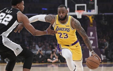 LeBron Steps Up Late, Lifts Lakers Past Spurs