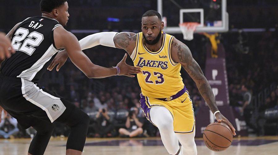 new product 4d8c3 6c94d BASH Cub | LeBron Steps Up Late, Lifts Lakers Past Spurs