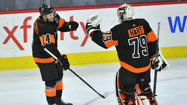Flyers%27+Sean+Couturier+and+Carter+Hart+congratulate+each+other+after+big+individual+performances+in+the+4-3+win+vs+Boston+on+Wednesday.