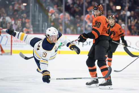 The Flyers' newest member, Ryan Hartman, made his presence known with 4 hits in the Flyers' 5-2 win vs the Buffalo Sabres on Tuesday.