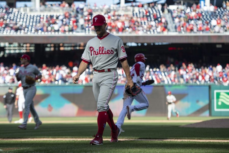 Phillies%27+pitcher+David+Robertson+walks+back+to+the+dugout+after+surrendering+the+game-winning+walk+in+the+Phillies%27+9-8+loss+to+the+Nationals+on+Wednesday.