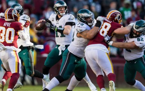 Eagles get last-minute win to keep pace with Cowboys