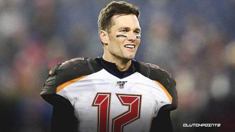 Legendary quarterback Tom Brady signs with Tampa Bay Buccaneers
