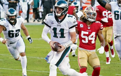 Carson Wentz runs in for an Eagles touchdown against the 49ers on Sunday Night Football.