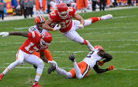 Game Recap: Mahomes goes down, but the Chiefs hold off the Browns to go to their third Conference Championship in a row