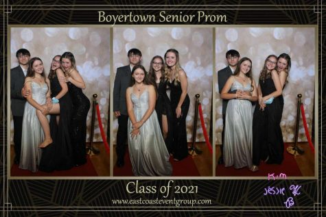 Jessie Ahart and friends at Prom.